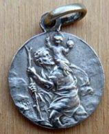 Médal-077 Médaille Ancienne Probable En Ag(pas Vu De Oinçon)Anagramme A.S. Saint Christophe - Religione & Esoterismo