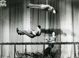 Allemagne Berlin Music Hall Cirque Friedrichstadt-Palast Artiste Acrobate Ancienne Photo 1950 - Professions