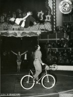 France Music Hall Cirque Bouglione Artiste Acrobate Velo 3 Ballan Ancienne Photo Photonub 1950 - Professions