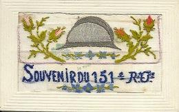 Militaria Souvenir Du 151ème Régiment D'infanterie Carte Brodée Casque De Poilu - Guerra 1914-18