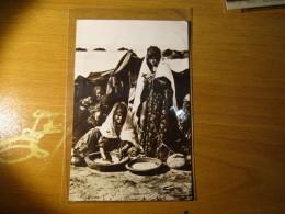 CARTOLINA TUNIS  1930  PETITS TRAVEAUX AU GOURBI    - D 2873 - Tunisia