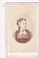 ANTIQUE CDV PHOTO - LADY WITH RINGLETS. BRUXELLES  STUDIO - Photographs