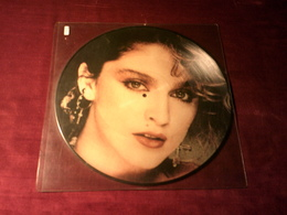 MADONNA  °°  OH GOD SHE'S MADONNA LIVE IN PHILADELPHIA  FEATURING THOMPSON TWINS    PICTURE DISQUE - Formats Spéciaux