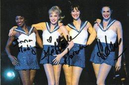 """Photo Signée """"Les Parisiennes"""" (A.Dombasle, H.Noguera, Etc...) - Autographes"""