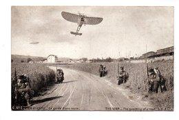 """MILITARIA  . SÉRIE EN GUERRE N° 1 . """" LA GARDE D'UNE ROUTE """" . SOLDATS, AÉROPLANE . GUERRE 1914/1918 - Réf. N°19053 - - Manoeuvres"""