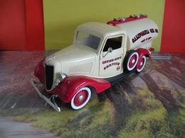 Ford V8 - California Oil Co - Ford Motor - Métal Neuf - 1/18 - Solido - Sans Boite - - Solido