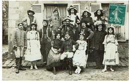 Tres Beau Groupe -Deguisement..Hussards .militaires- PHOTO CARTE-2 Scans-1910(Mulard A Yerres) - Cartes Postales