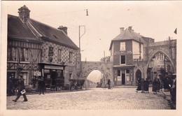 CREPY EN VALOIS (OISE) - L'Entrée Du Bourg - Places