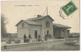 Train En Gare De Levet Cher  Gare Station Train Envoi à Moulins Sur Yevre - Stazioni Con Treni