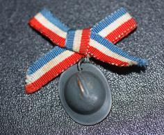 """WWI - Broche De Poilu """"Casque Adrian Avec Ruban Tricolore"""" WW1 - 1914-18"""