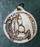 """WW1 Pendentif Médaille De Poilu """"Notre-Dame De La Merci / Aumonerie Des Prisonniers De Guerre"""" Religious Medal WWI - 1914-18"""
