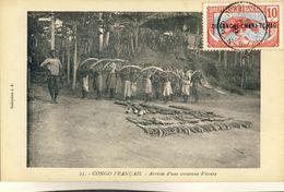 CONGO  FRANCAIS -- ARRIVEE  D'UNE  CARAVANE  D'IVOIRE - Congo Français - Autres