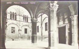 SIENA Palazzo Comunale Cortile - Formato Piccolo - Non Viaggiata - Siena