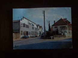 "Carte Postale SM De Machecoul: Les Cycles ""Gitane"", Rue Des Redoux (vieilles Voitures: 2CV, Ami6...) - Machecoul"