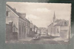 CP (59) Crévecoeur-sur-Escaut  -  Rue Des Liniers - Renault 4cv - Autres Communes