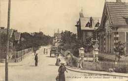 SOULAC Sur MER  Rue Du Cardinal Donnet Villas Personnages RV - Soulac-sur-Mer