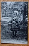 85 : Renée - Fillette De Chantonnay Dans Le Vieux Costume Vendéen - Folklore - Costume Traditionnel - (n°13392) - Chantonnay