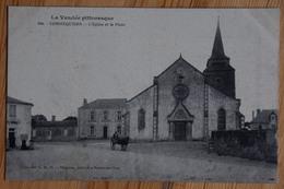 85 : Commequiers - L'Eglise Et La Place - Animée : Petite Animation - Attelage - (n°13397) - Other Municipalities
