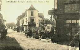 24....Dordogne.....Mouleydier...le Grand Cours Et La Rue Du Pont - Mussidan