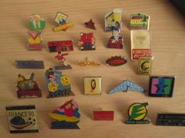A Prix Cassé !!! LOT19-035 De 25 Pin's En Très Bon état , Tous Différents , Avec Leurs Attaches - Badges