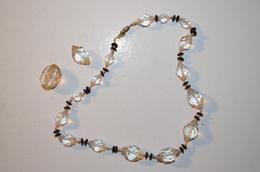Collier Ancien Perles De Verre - Necklaces/Chains