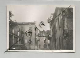 Photographie  1944 La Chapelle En Vercors Café De La Treille Au Centre Ruine Photo 6x8,8 Cm - Guerra, Militari