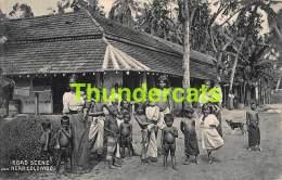 CPA SRI LANKA CEYLON CEYLAN ROAD SCENE NEAR COLOMBO NUDE CHILDREN BOY GIRL NU GARCON FILLE - Sri Lanka (Ceylon)
