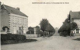 CPA - SAINVILLE (28) - Aspect De L'avenue De La Gare En 1918 - Other Municipalities
