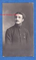 Photo Ancienne - Beau Portrait Poilu Du 1er Régiment De Zouave / Tirailleur - 1916 - Médaille Croix De Guerre Soldat WW1 - War, Military