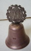 """PL. 411.. Ancienne Cloche Ou Clochette De Table  """"souvenir Du Sacré Coeur"""" - Bells"""