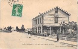 10 MAILLY LE CAMP - Café De La Gare Et Route De Mailly -  Animée - Mailly-le-Camp