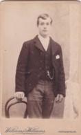 ANTIQUE CDV PHOTO. SMART YOUNG MAN.  NEWPORT STUDIO - Photographs