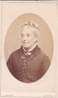 ANTIQUE CDV PHOTO.  OLDER LADY. BRISTOL STUDIO - Photographs