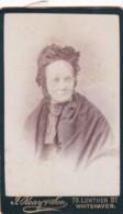 ANTIQUE CDV PHOTO.  OLD LADY.  WHITEHAVEN STUDIO - Photographs