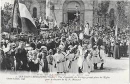 LES LUCS SUR BOULOGNE (85) Fete De La Victoire 1919 Cortège Place De L'église Belle Animation - Les Lucs Sur Boulogne