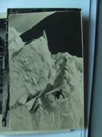 Noorwegen Norway Norge Brixdalsbreen Man In Snow - Noorwegen