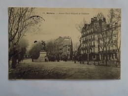 """C.P.A. : 34 BEZIERS : Allées Paul Riquet Et Théâtre, """"Maison Dianoux"""", Animé, Timbre En 1905 - Beziers"""