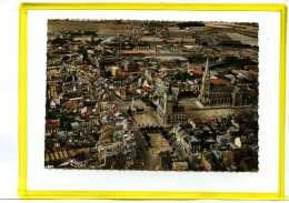 Armentieres. Vue Aerienne. Hotel De Ville Et Eglise St Vaast  Edit Cim N° 8043  (petite Vue Sur La Brasserie Breuvart) - Armentieres