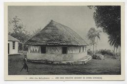 ILES WALLIS - LAND - N° 1 - UNE CASE INDIGENE SERVANT DE GRAND SEMINAIRE - OEUVRE DE ST- PIERRE APOTRE - CPA NON VOYAGEE - Wallis Et Futuna