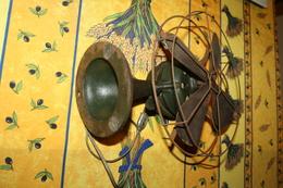 Ancien Ventilateur . - Outils
