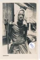 Photo Format CPM (2 Scans) -36253- Gabon Lambaréné -Malade Ou Blessé (Hôpital Schweitzer?) - Gabon
