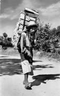 PIE-H-18-6053 : GUATEMALA. INDIAN CARRYING WOOD.  INDIO CARGANDO IENA - Guatemala