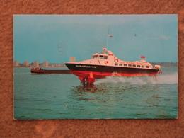 RED FUNNEL SHEARWATER HYDROFOIL IN SOUTHAMPTON WATER - Ferries