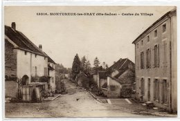 70  MONTUREUX Les GRAY       Centre Du Village - France