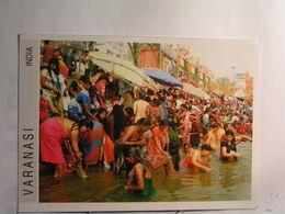 Varanasi - Bain Rituel Dans Le Gange.... - India