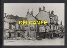 DD / PHOTOGRAPHIE / GUERRE 1939-45 / HAUTE-SAÔNE : GRAY APRÉS LE BOMBARDEMENT DE 1940 - Places