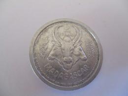 Madagascar: 2 Francs 1948 - Madagascar