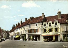 1 Cpsm Corbigny - Place De L'hôtel De Ville - Corbigny