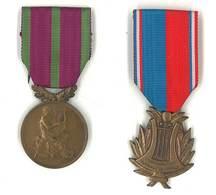 2 Médailles Métal Musique - Confédération Musicale De France & Sociétés Musicales Et Chorales - Francia