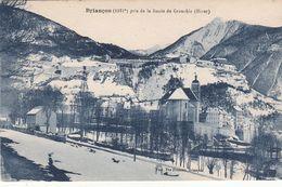 Cp , 05 , BRIANÇON (1321 M.), Pris De La Route De Grenoble (hiver) - Briancon